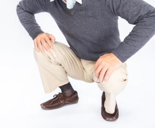 老人总是出现关节疼痛是怎么回事呢?